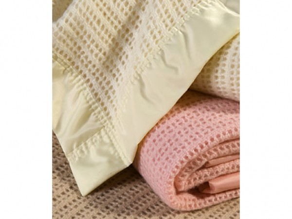 Atkincel Cellular Blanket by Hainsworth powder Pink and Champagne